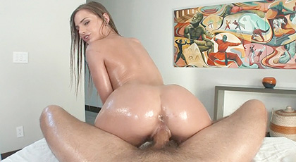 Sydney Cole delivered to hard sex and with body oil