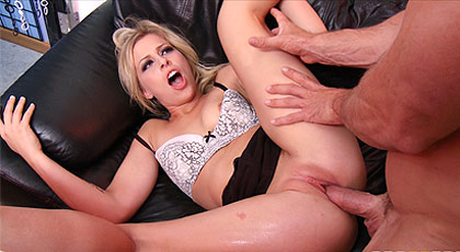 Lindsay getting fucked on my waterbed