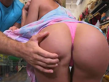 Sex with girls with big asses in the testers of a clothing store