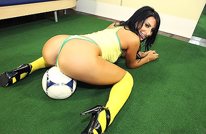 Housewife fond of soccer with a big ass doing a blowjob in a sports shop