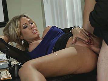 Mature and experienced secretary with big tits fucking the boss in office