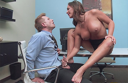 Mature secretary asked for a raise and just fucked with a mouthful of sperm