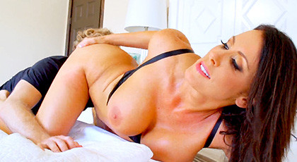Never Marry a Milf Like Reagan Foxx