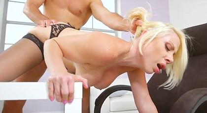 Sunny secretary seduces boss in the office