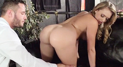 Mia Malkova never fails when she fucks with passion and vice