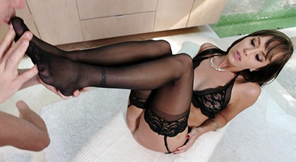 Alana Cruise, a beautiful mature in lingerie and playing with her feet