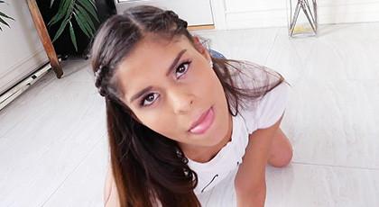 Katya Rodriguez, young latina applied to blowjobs