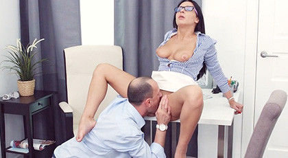 Penetrating the ass of my secretary Ksenia