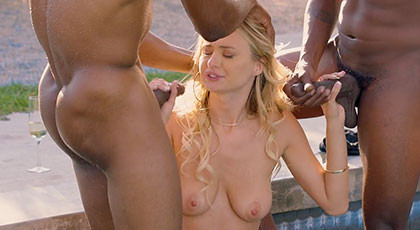 Natalia fulfills her dream of fucking with two black men