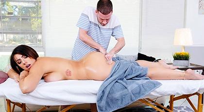 Massage a huge ass