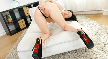 Preparing her ass  for anal sex