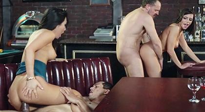Quartet with two waitresses