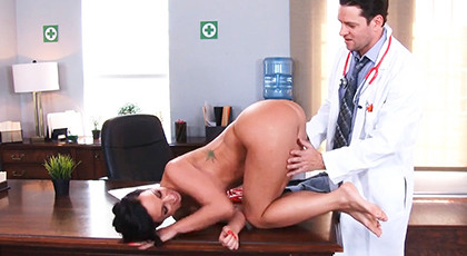 Milf thoroughly explored by the doctor