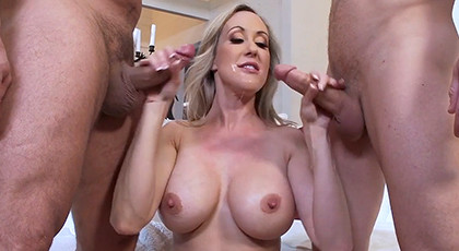 Threesome with a milf porn queen