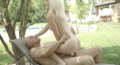 Young girl gets distracted by fucking an older man