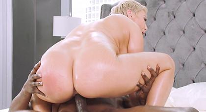 Blonde Milf Loves Hard Sex And Big Cock