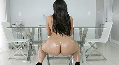 Adriana maya and her big ass, knocked out in oil