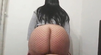 Amateur videos, records his wife with big ass riding