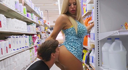 Sex encounter in the supermarket with an explosive blonde