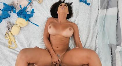 En la cama con la tigresa Rachel Starr