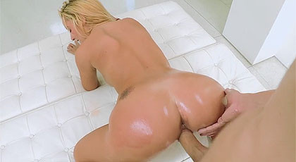 Teens like it big