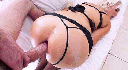 Jenna\'s Ivory first anal