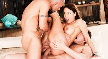 Double anal penetration for Franceska Jaimes