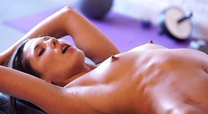 Alexa Tomas nipples...