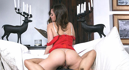 Sexual Tension with the ass of Riley Reid