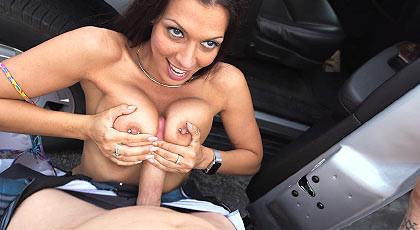 The wonderful boobs of Rachel Starr