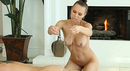 Massage with a happy ending of Aidra fox