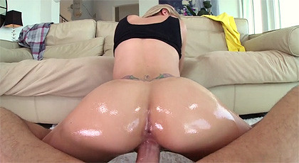 Super pov with super assed girl