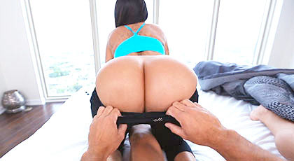 One busty fucking bitch with epectacular ass and a tight pussy shaking ass with his cock in her pussy until they cum in her mouth