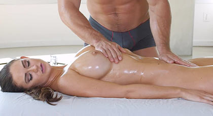 Massaging and fucking mature tremendous Kendall Karson
