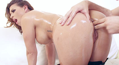 Eva angelina is always making pleasure and wishing to do new and hot things for get a good orgasm