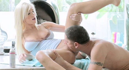 Sex in the bathroom with the beautiful blonde Tasha Reign