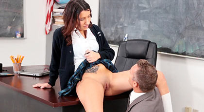 Student with soft shaved pussy fucking with her teacher who ejaculates in her mouth emptying his balls of cum