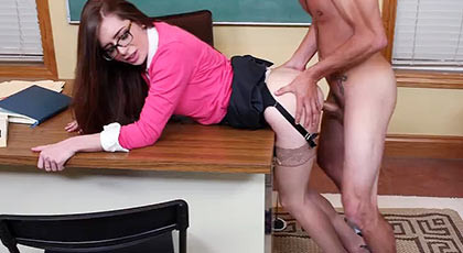 Veronica Vain the teacher who wants hard young cock of his students