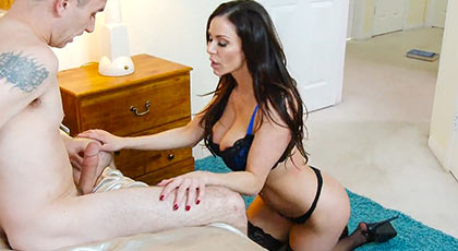 Kendra Lust vicious mature seduces a friend of her son and fucks brilliantly due to its great experience