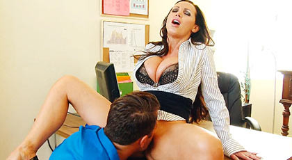 Nikki Benz welcomes a new employee of the company and does her mature body statuesque all for it