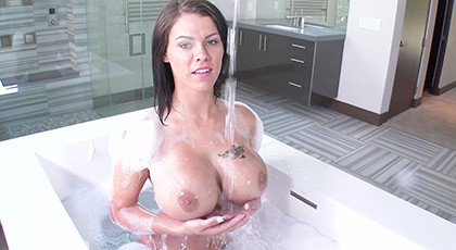 Peta Jensen and sparkling bathrooms before enjoying rough sex with his new partner