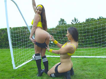 Threesome with big ass horny Mea Melone and Amirah Adara