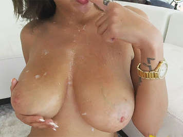 Fucking a babe with big natural tits that ends with a good cumshot between her breasts