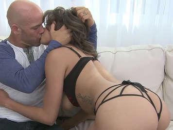 Mulata culona very sexy lingerie sucking cock