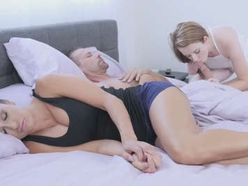 He cocks sucking his stepfather in front of his mother tetona