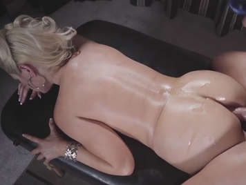 On the massage table fucking the ass of a mature