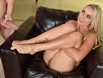 Busty blonde loves the foot fetish