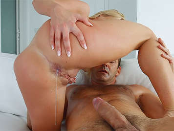 anal creampie to a assed blonde with nice body