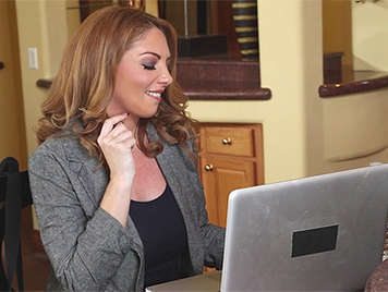 Sexy mature secretary wants to sex with her boss