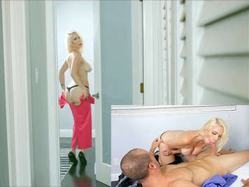 Housewife mature blonde, with beautiful and big tits, enjoys a spectacular cock doing a blowjob